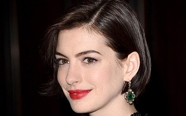Anne Hathaway producirá la comedia de ciencia-ficción The Shower