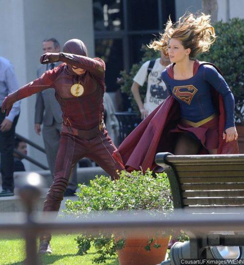 """""""Supergirl"""": ¡Espectacular nueva fotografía del crossover con """"The Flash""""!"""