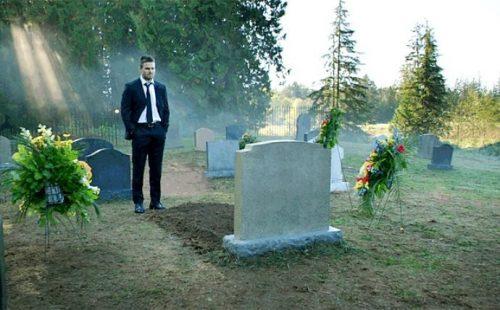 """""""Arrow"""": ¡El secreto de la tumba podría desvelar el destino de otros personajes!"""