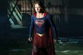 Nuevas imágenes de Kevin Sorbo y Teri Hatcher en Supergirl