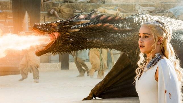 Los dragones de Daenerys Targaryen/Emilia Clarke antes y después del efecto CGI