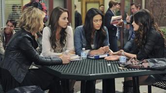 ver Pretty Little Liars Temporada 2×17