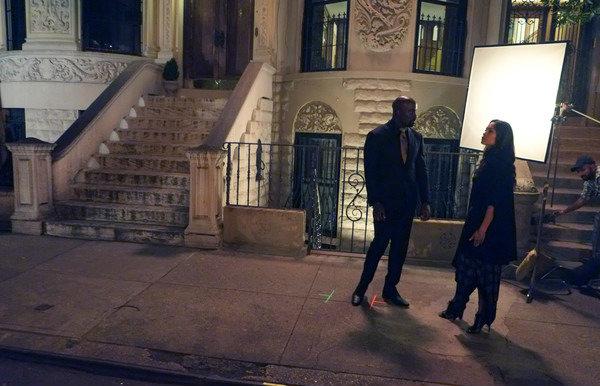 Rosario Dawson y Lucy Liu fueron vistas en el rodaje de la segunda temporada de Luke Cage