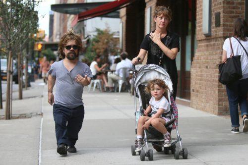 Peter Dinklage junto a su pequeña hija (FOTOS)