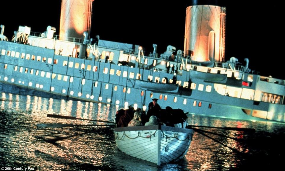 Titanic bote recto